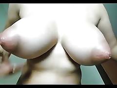 Grandi Tette video porno - giovane coppia porno